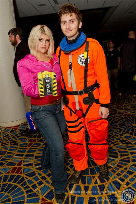 The Doctor and Rose – Doctor Who Cosplay At Dragon*Con 2011